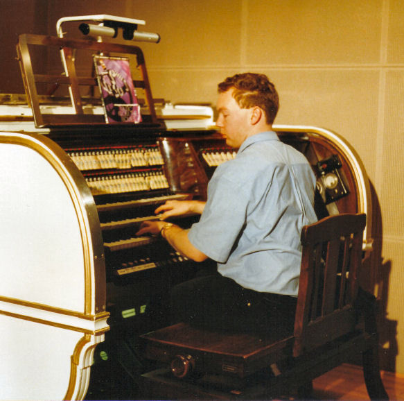 Organist Russell Holmes